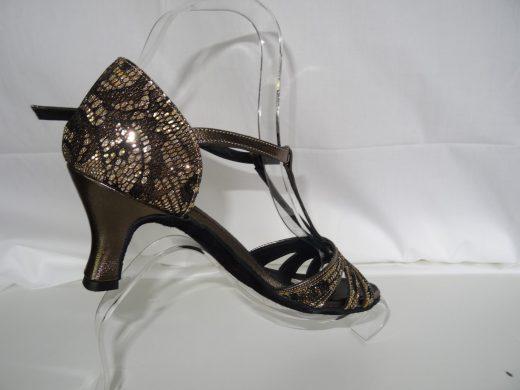 Alexia dentelle et bronze (2) (Copier)