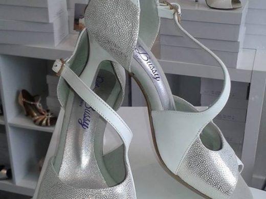 chaussure de danse et de mariage , blanc et argent, talon bobine, lyon